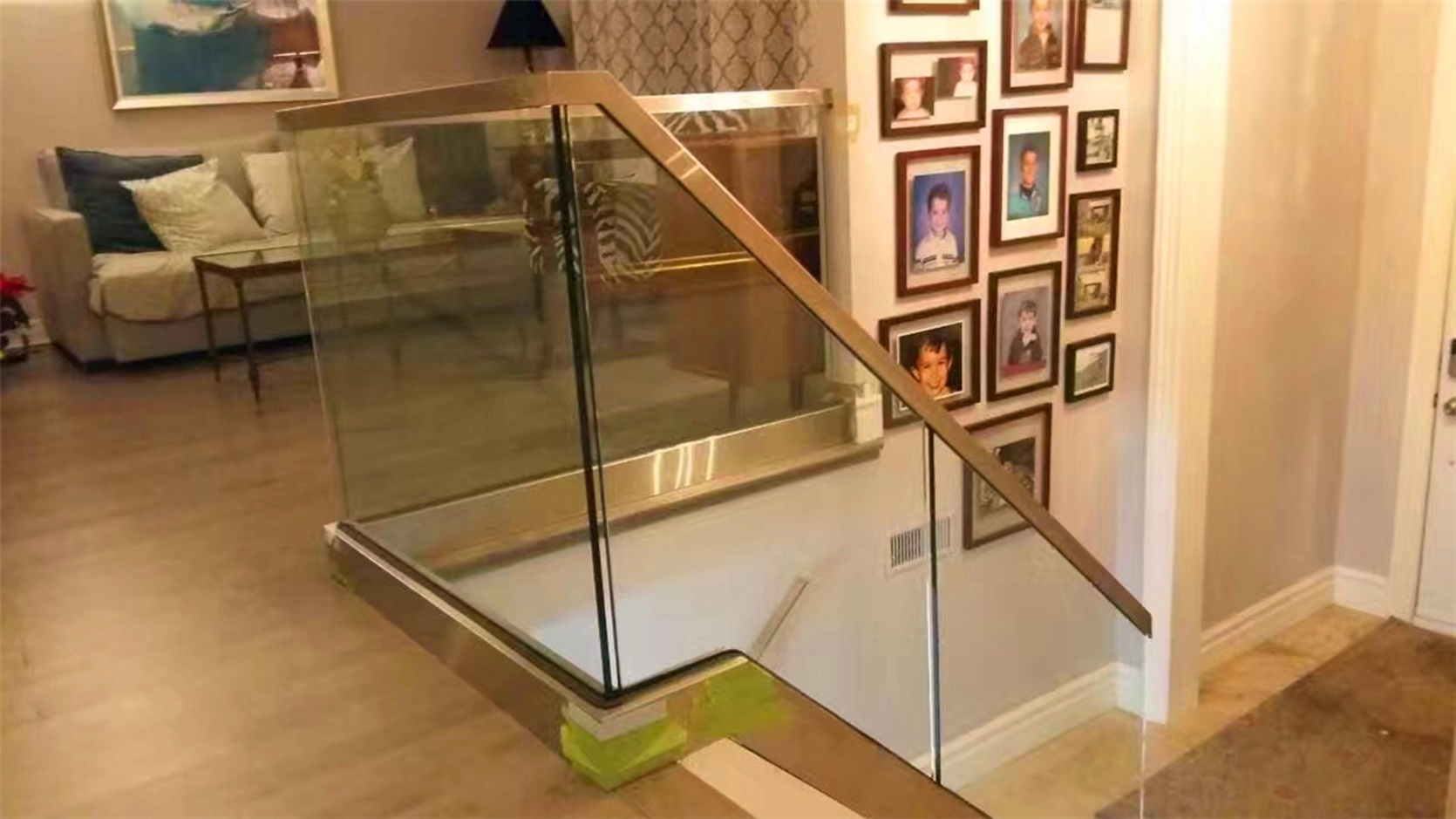 Glass Shoe Guardrail